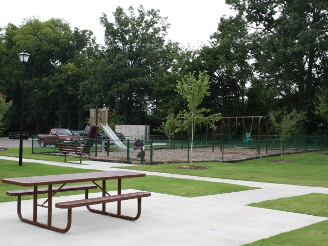 East Haven, Fayetteville, TN picnic area and playground