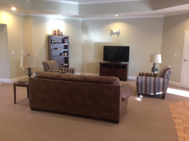 Heather Highlands, Franklin Springs, GA, community room seating