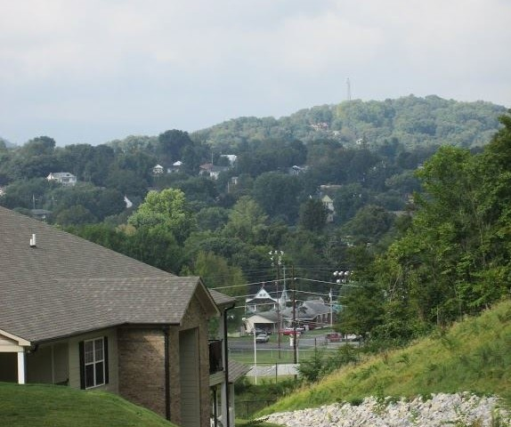 Mountain Hollow Apts, Elizabethton, TN, apartment building side view of valley
