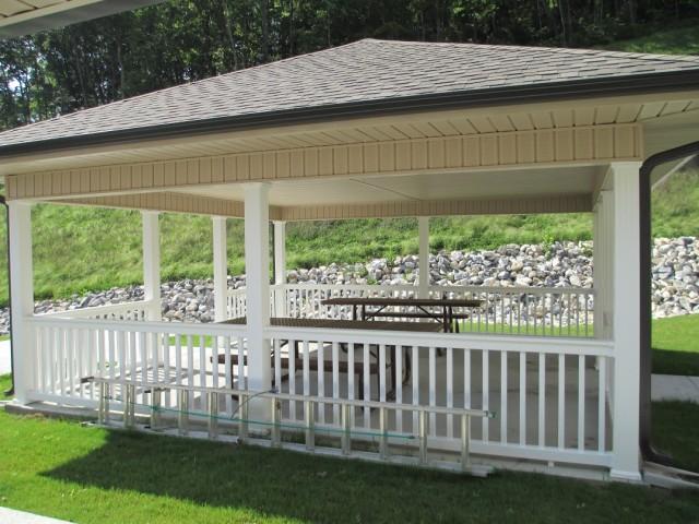 Mountain Hollow Apts, Elizabethton, TN, pavillion