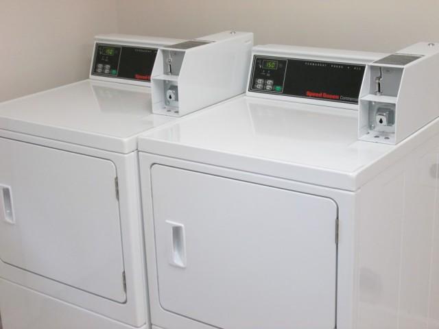 Mountain Hollow Apts, Elizabethton, TN, laundry facility