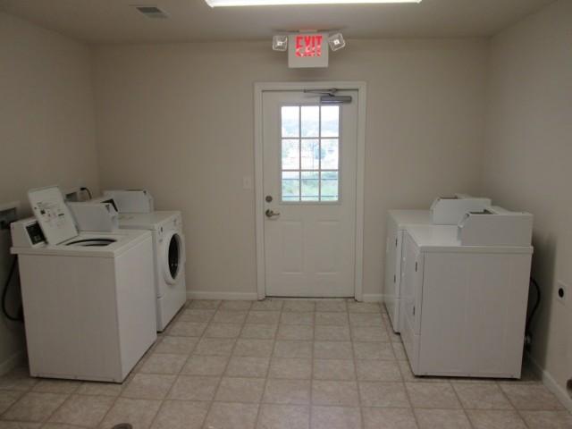 Mountain Hollow Apts, Elizabethton, TN, laundry facility 2