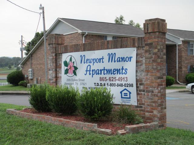 Newport Manor, Newport, TN, sign