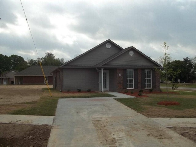 Richardson Place I, Marksville, LA, home and drive