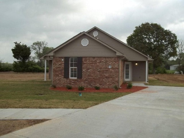 Richardson Place I, Marksville, LA, home side and drive