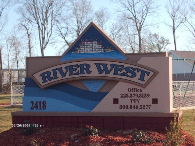 River West, Port Allen, Louisiana, sign