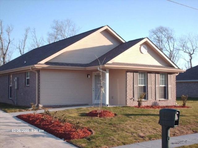 River West, Port Allen, Louisiana, house entrance 2