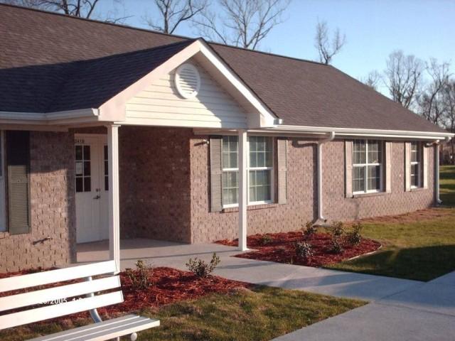 River West, Port Allen, Louisiana, community building