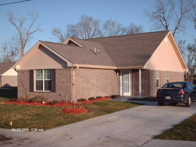 River West, Port Allen, Louisiana, house and drive and landscaping