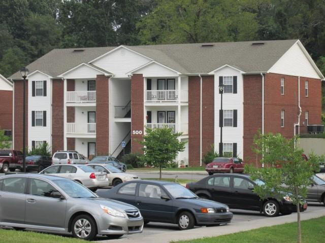 Sage Meadows, Briston, TN building 2 and parking