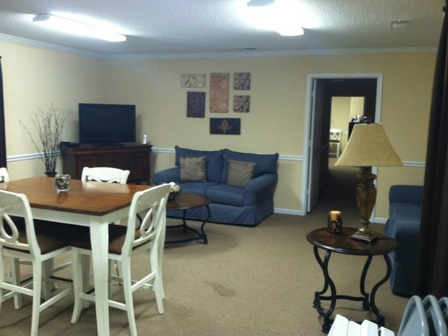 South Hills, Pell City, AL, community room comfy seating