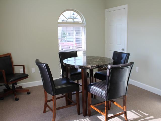 Villas of Savannah, Savannah, TN, library seating