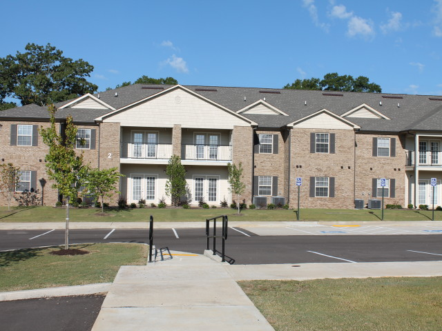 Villas of Savannah, Savannah, TN, sidewalks with railing