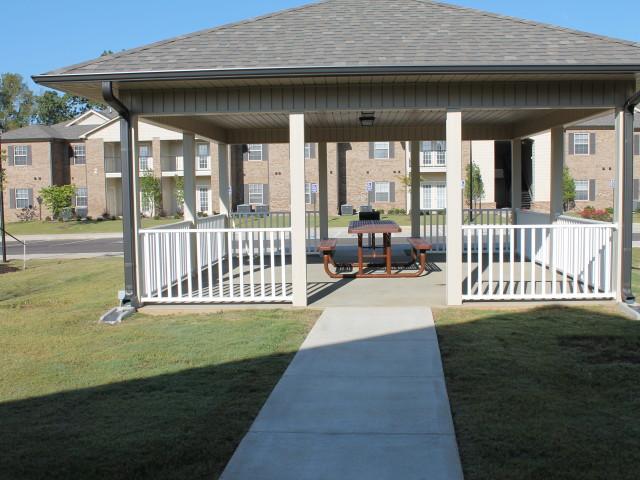 Villas of Savannah, Savannah, TN, gazebo picnic area