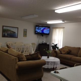 Woodland Lake Senior, Hammond, LA, community room television