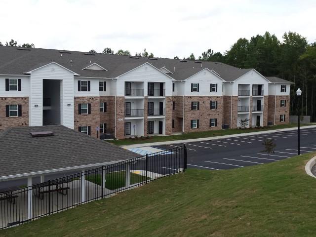 Woodland Village, Lafayette, Georgia apartment building