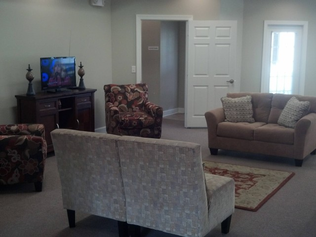 Ford Creek, Gray, TN community room seating2