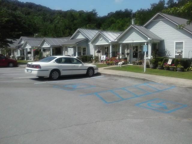 Lakeview Estates, Guntersville, AL handicap parking