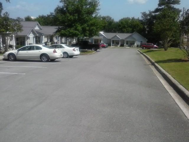 Lakeview Estates, Guntersville, AL entrance drive