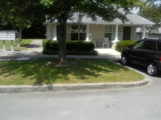 Lakeview Estates, Guntersville, AL front porch view