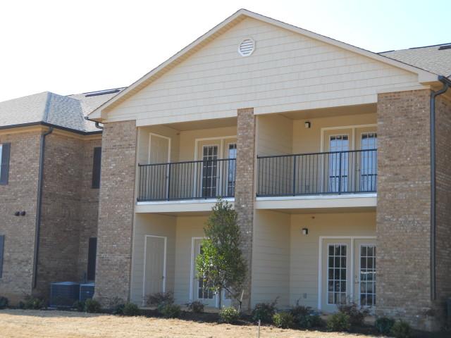 Villas of Savannah, Savannah, TN, apartment building balconies and patios