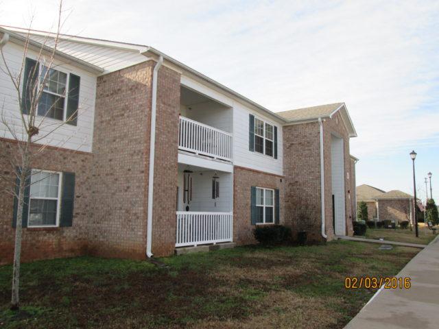 Stoneridge Estates building balconies, sparta, tn